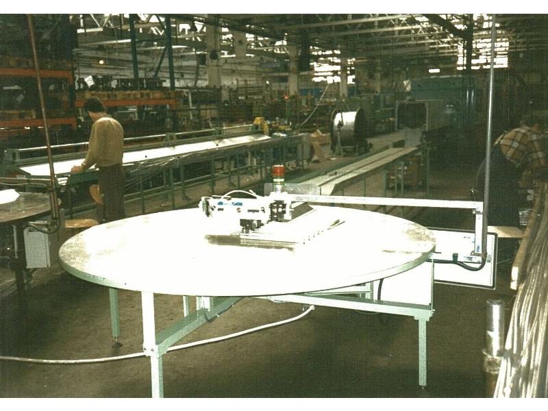 Ohýbačka rúrok do chladiarenského priemyslu