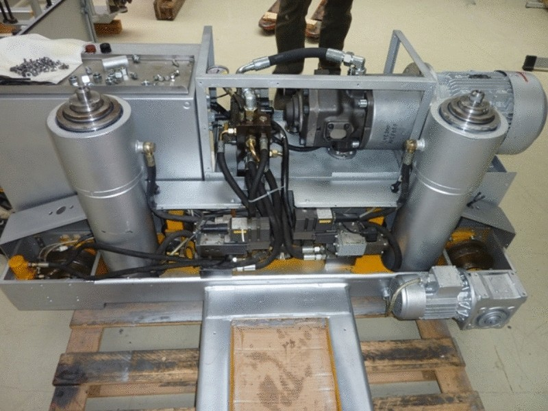 Hydraulické riadenie valcov