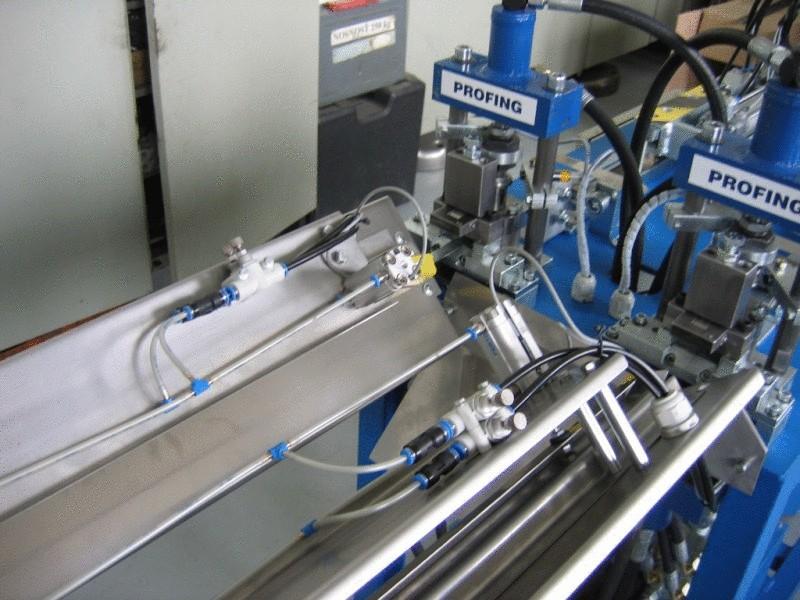 Dělení a paletování ocelové pásky