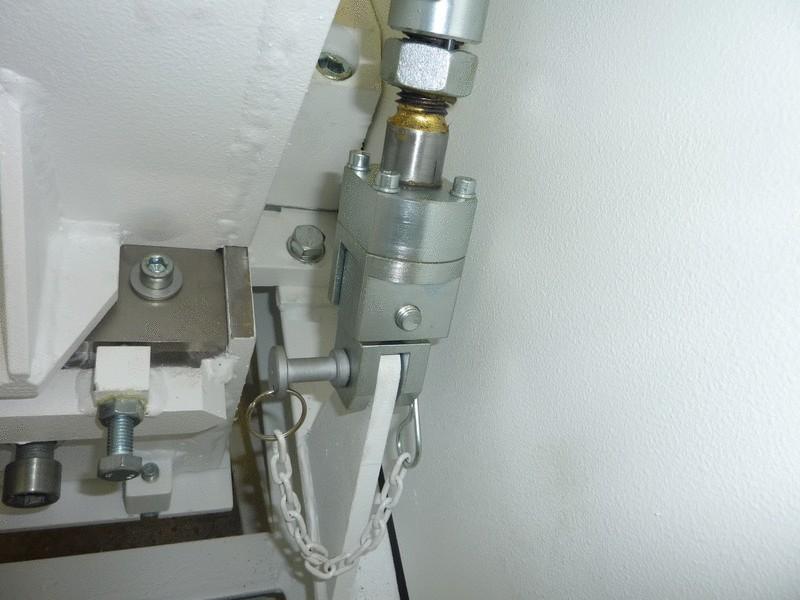 Hopper unfolding mechanism