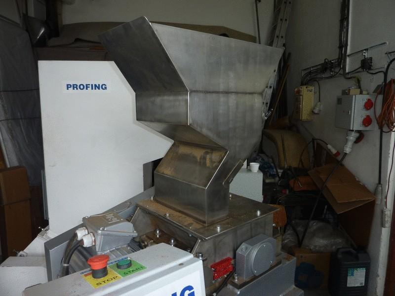Shredder designed for the food industry
