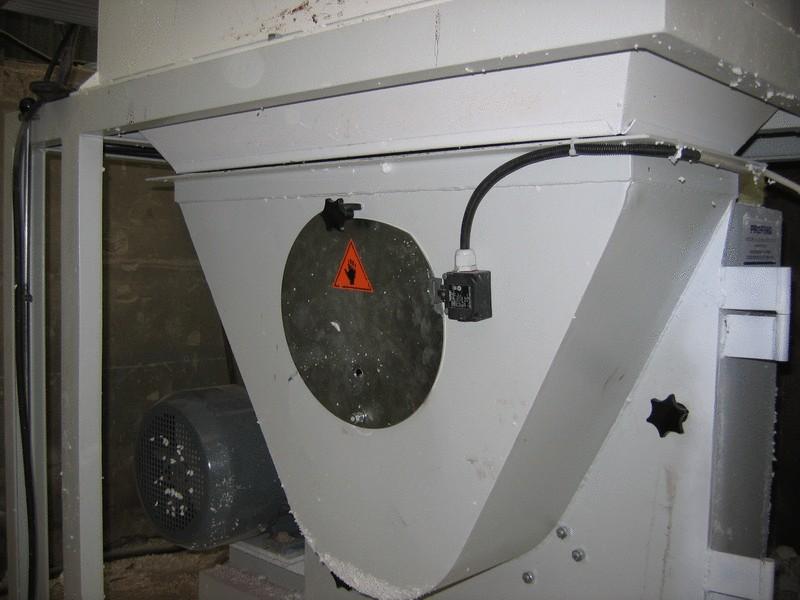 Rear EPS shredder opening lid