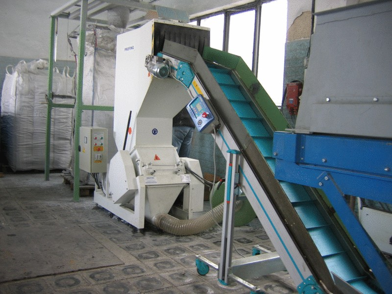 DP 37 shredder as part of a shredding line